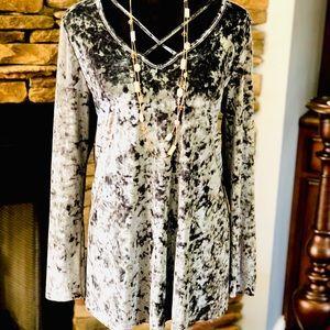 Jodifl shimmery large velvet gray blouse 👚